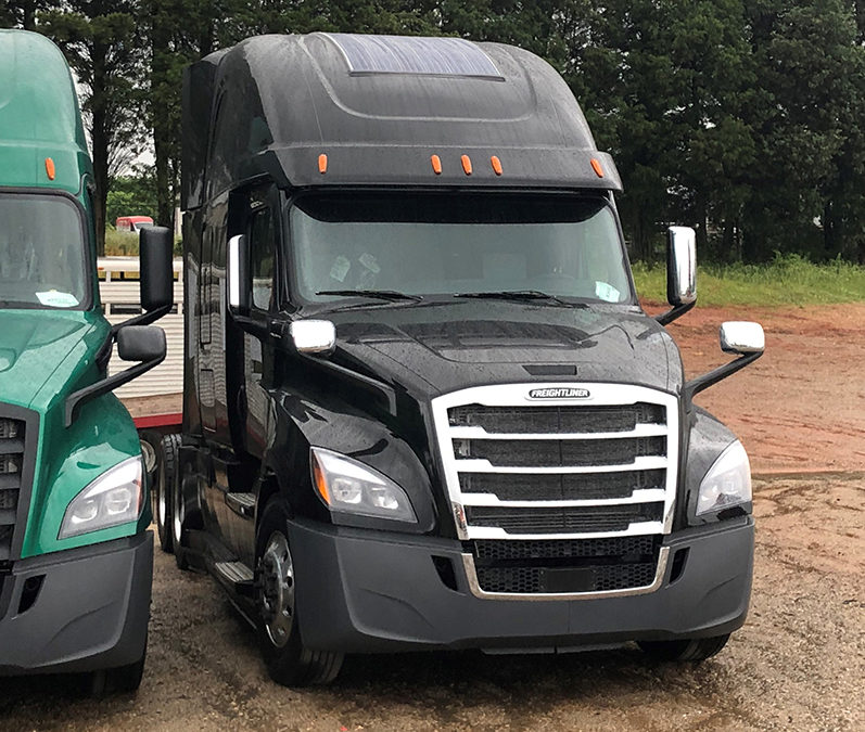 Freightliner with eNow solar system